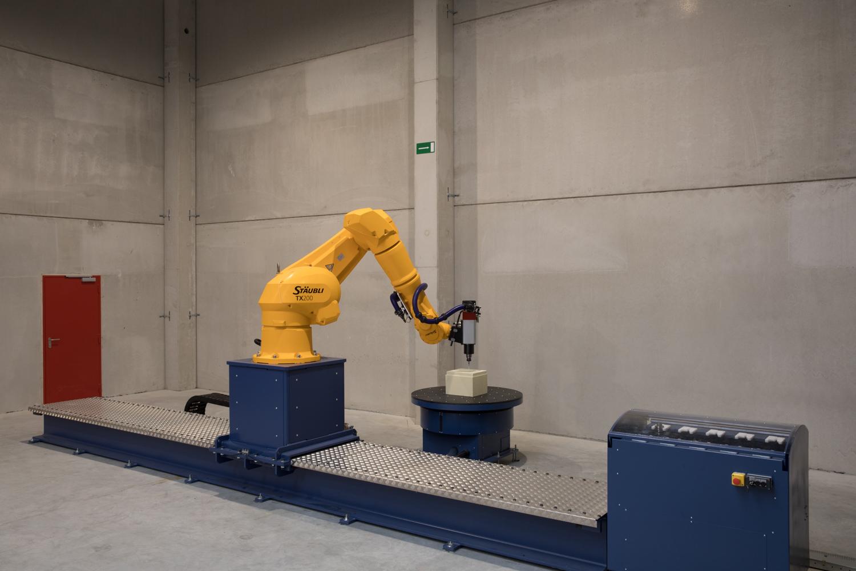 staubli robot robottrack