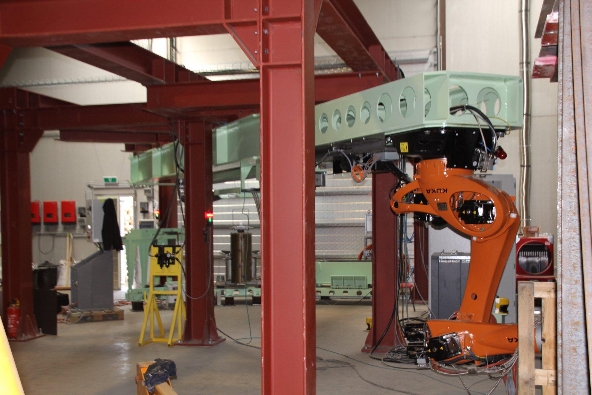 telescopische robottrack voor kuka robot kr270